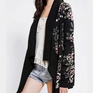 Urban Outfitters Staring at Stars Floral Cardigan
